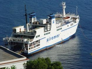 Protesta Sindaci Eolie per trasferimento traghetto A. da Messina