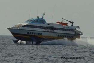 Ustica: Problemi tecnici all'Aliscafo per Napoli