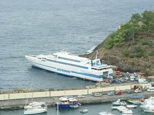 SIREMAR: Collegamenti marittimi domani per Ustica