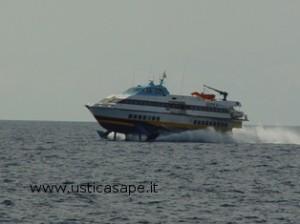 Domani corsa Straordinaria  della Ustica Lines per Napoli