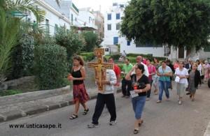 Processione  per raggiungere la cappella di San Francesco