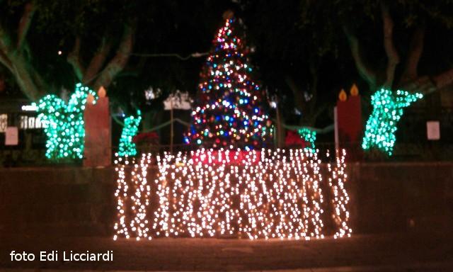 Ustica: Albero e addobbi di Natale
