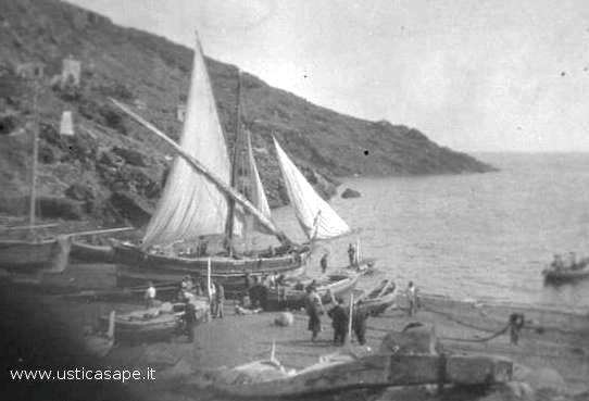 Ustica:  Antica foto della marina