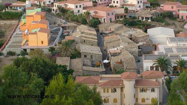 Ustica: Municipio – case vecchie