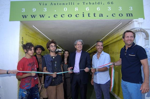 Loris (figlio di Mariangela Militello) e il suo gruppo vince il concorso murales a Potenza Picena