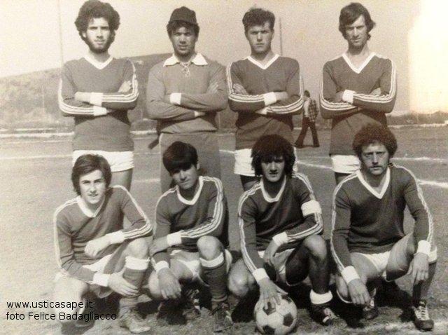 giocatori di calcio 76-77