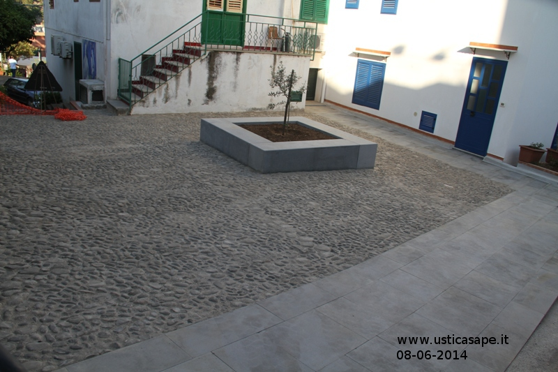 Ustica riqualificazione centro Urbano - Piazza dell'ulivo
