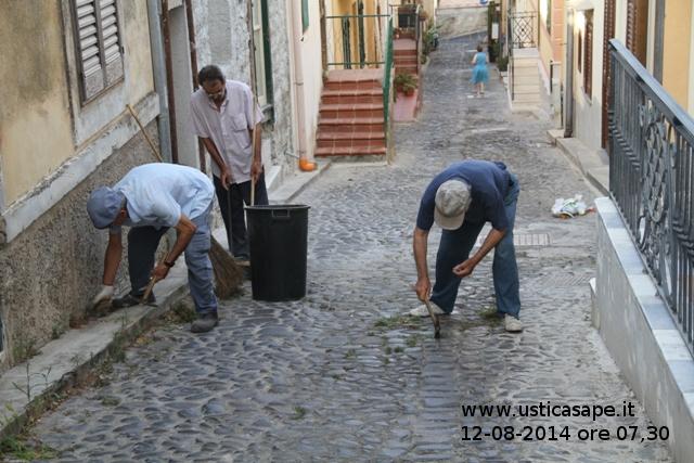 Anziani a lavoro