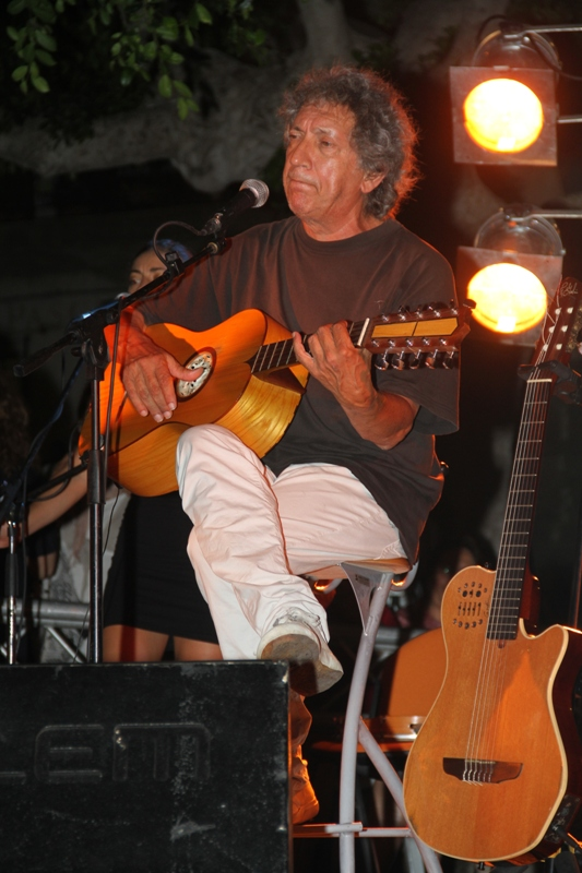 """concerto di Eugenio Bennato. """"Balla la nuova Italia"""""""