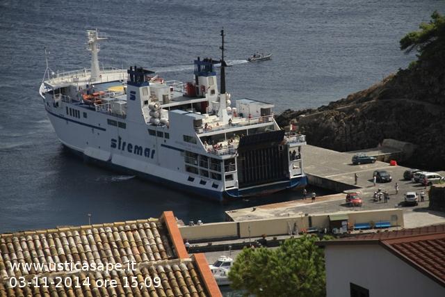 Vista porto partenza nave