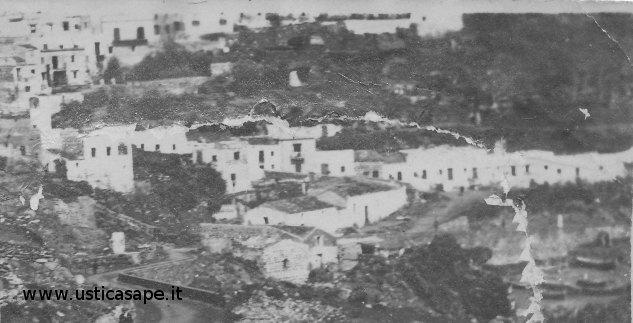 Ustica, vecchie case dei pescatori