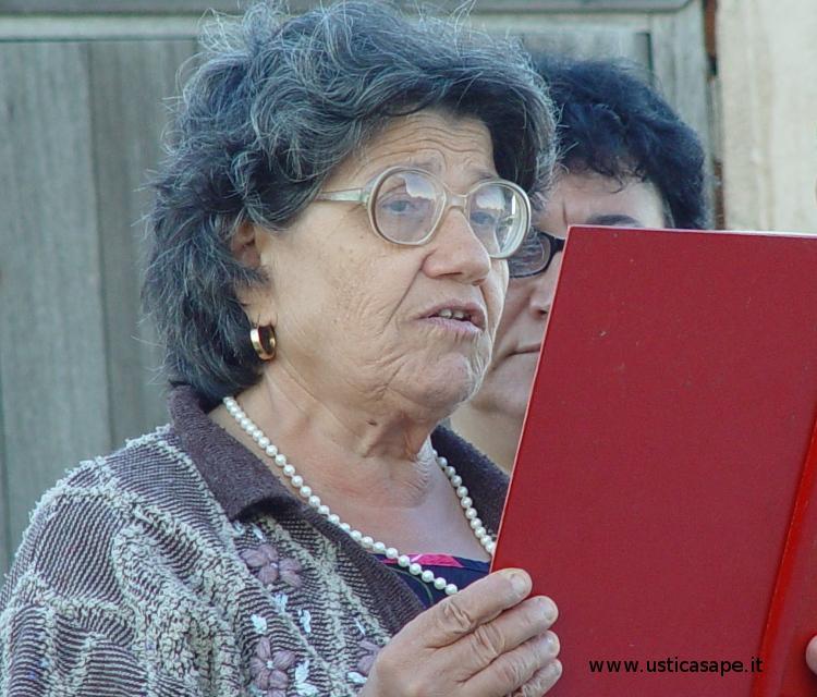 La signora Manfrè legge il Vangelo