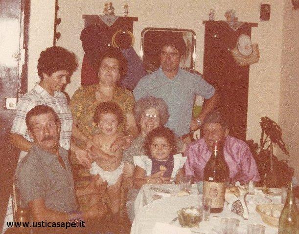 F.C.4986  Inviti a pranzo dalla famiglia Petrossi