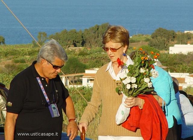 Un mazzo di fiore per ls Madonna della Croce