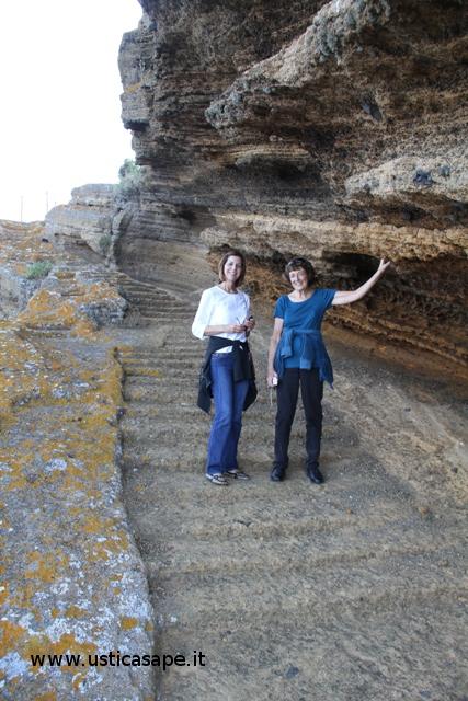 Ustica Rocca della falciniera  Scale intagliate nella roccia