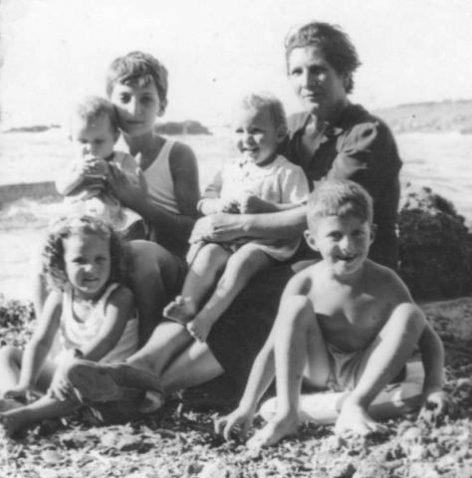 Nonna con nipotini