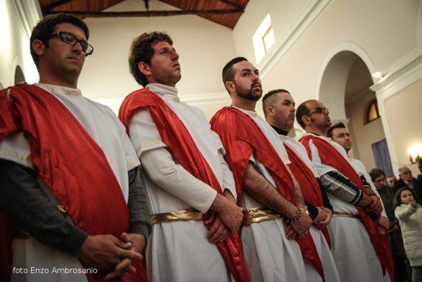 Apostoli in chiesa2