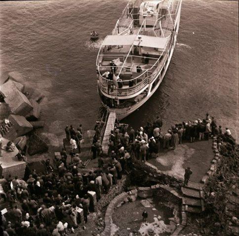 Turisti attesa imbarco