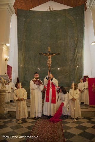 Venerdi' Santo - Adorazione della Croce