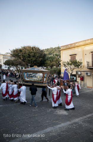 Madonna in processione con Ges+¦2