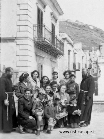 Foto ricordo con ragazzi Azione Cattolica