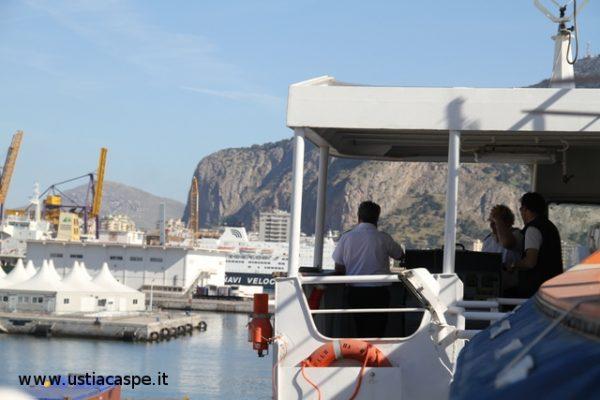 F.C.5503 Partenza in ritardo Nave Antonello Da Messina.