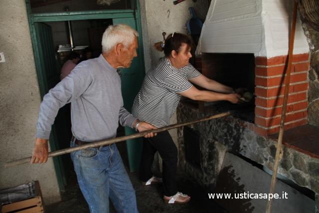 Pizza e pane fatto in casa nel forno a legna ustica sape - Forno a legna in casa ...