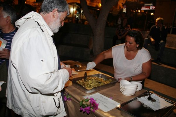 ricca degustazione di ricette tradizionali a base di prodotti locali, a cura dei ristoratori dell'isola