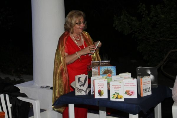 Sara Favarò scioglilingua e indovinelli siciliani