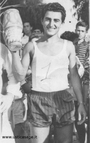 San Bartolicchio 1967 - Pino Palmisano vince il primo premio giro ciclistico