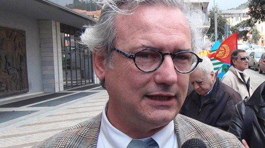 L'assessore regionale alle Infrastrutture, Giovanni Pizzo