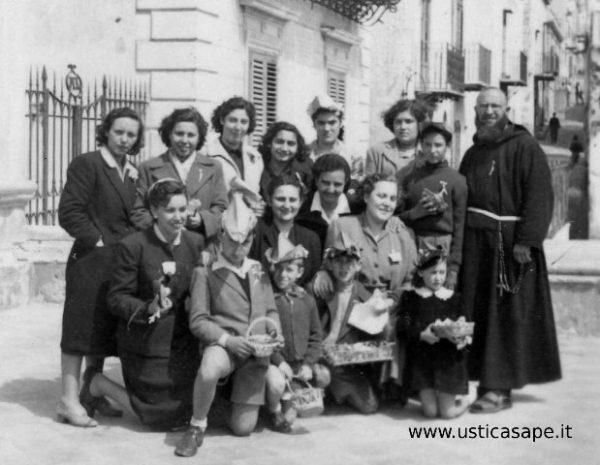 Ragazzi e donne dell'Azione Cattolica