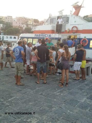 Protesta aliscafo Fabricia