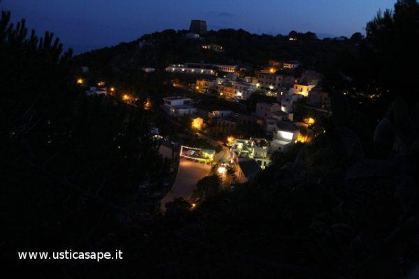 Ustica di sera