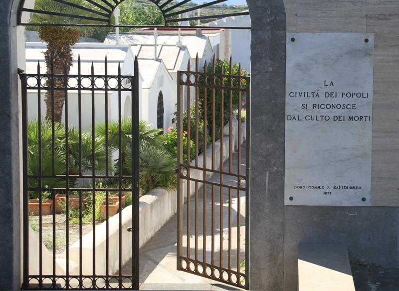 Cimitero Ustica
