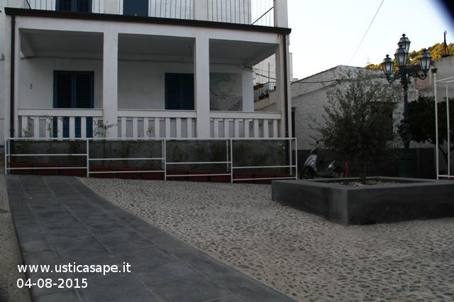 Piazza dell'ulivo 2