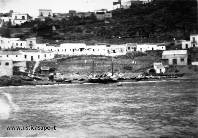 Marineria con vase dei pescatori