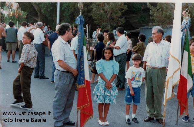 Processione con Bandiera Iraliana  1991