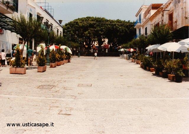 Ustica, la piazza