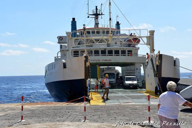 Sbarco dal traghettino Helga