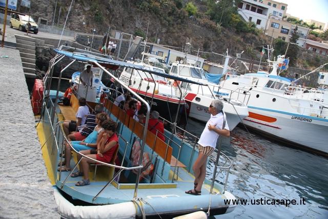 Barca a visione subacquea