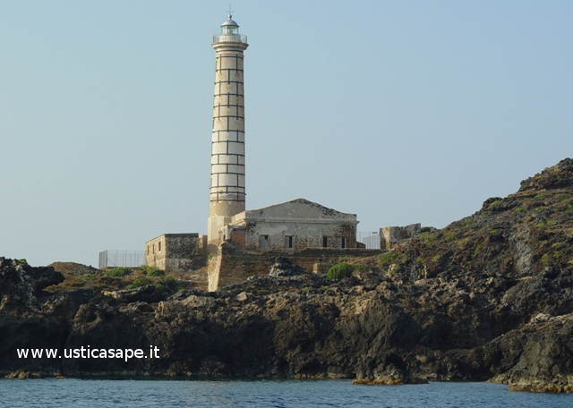 Faro di Punta Cavazzi