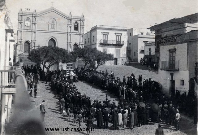 Santa Messa solenne in piazza