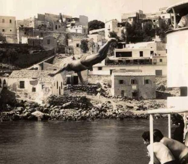 Arrivo ad Ustica con tuffo dalla nave