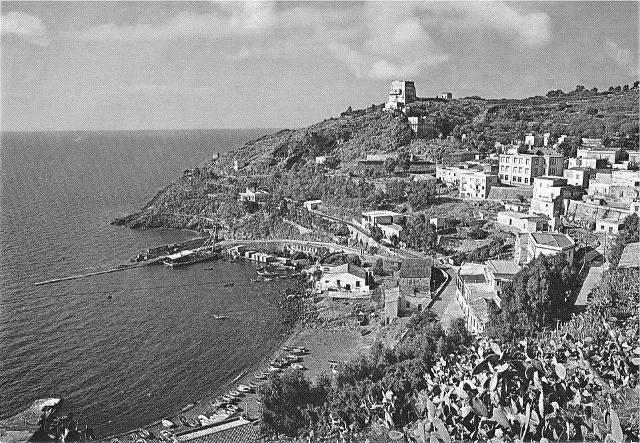 Ustica, Cala Santa maria - costruzione banchina