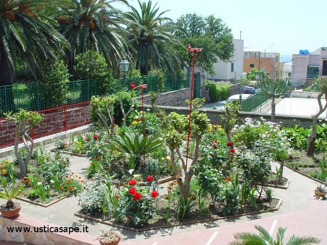 Giardino fiorito1