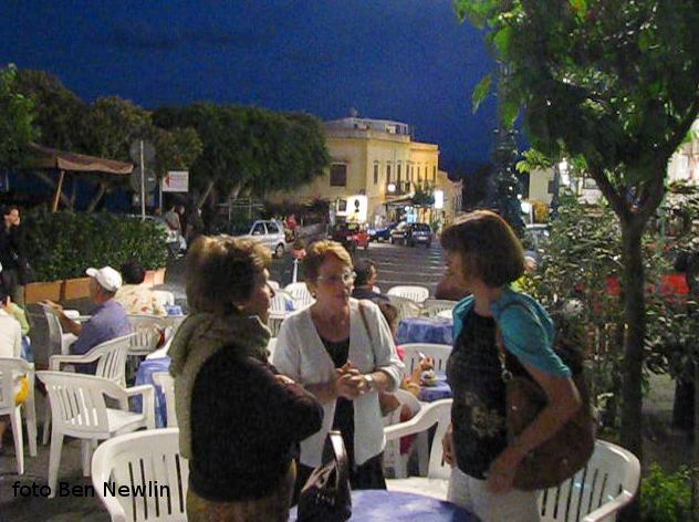 Piacevole incontro in piazza 2011-07-23