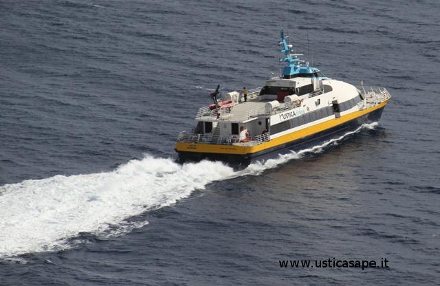 Catamarano Ustica Lines (5)