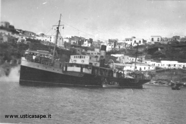 vecchia nave a vapore Ustica