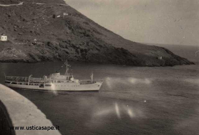 Ustica, zona mezzaluna senza il villaggio dei pescatori